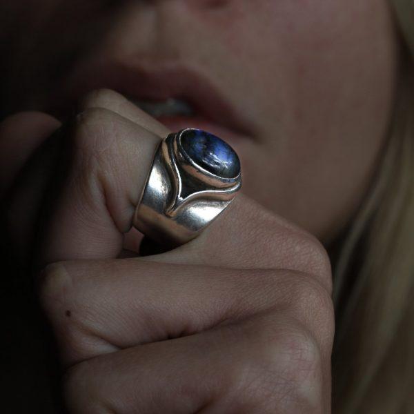Juno Labradorite Silver Ring