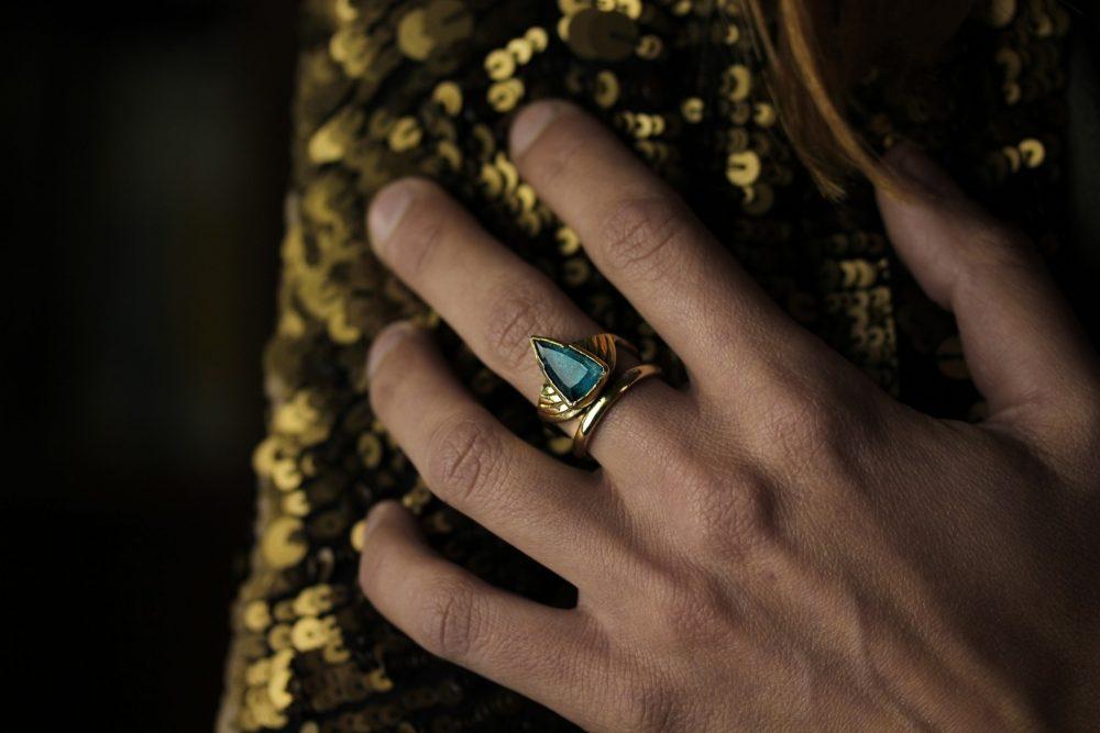 Arrow Apatite Gold Ring