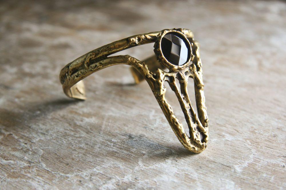 Witch Onyx Gold Cuff