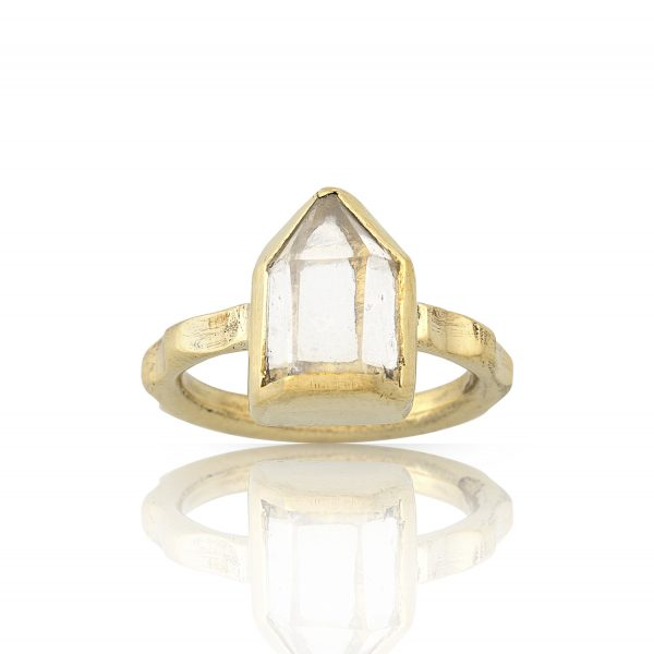 Isla Quartz Point Ring