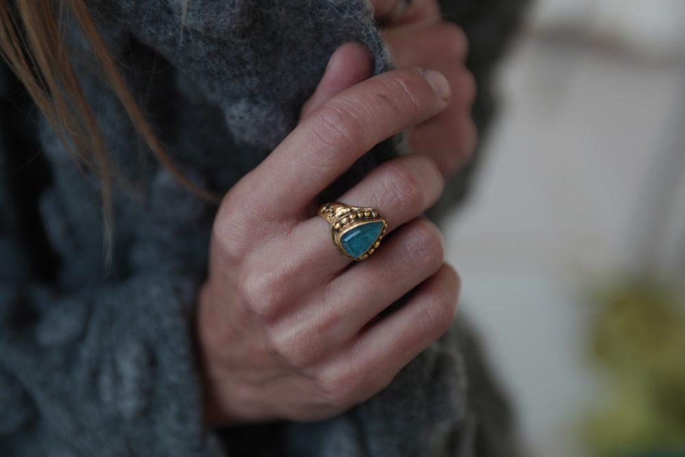 Orna Apatite Gold Ring