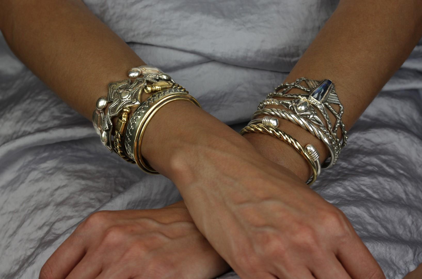 Bond silver Chain Cuff