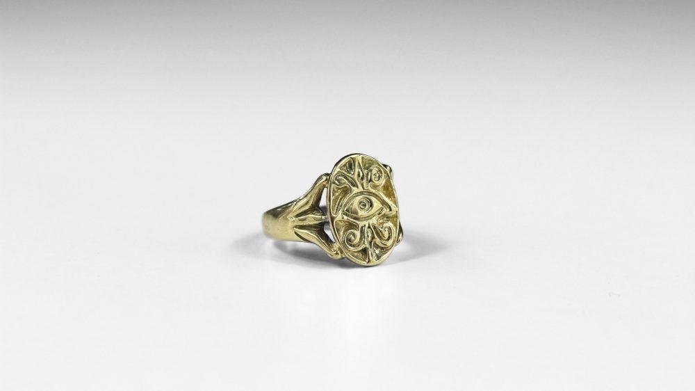 Eye Engraved Gold Ring