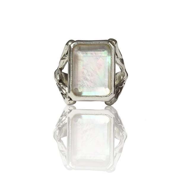 Reine Mother Of Pearl Ring